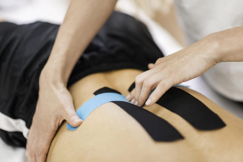 Kinesiologisches Taping bei Rückenschmerzen